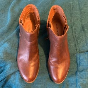 Size 8.5 leather Lucky Brand booties